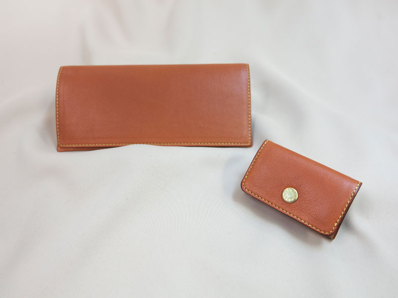 牛革の長財布と小銭入れ