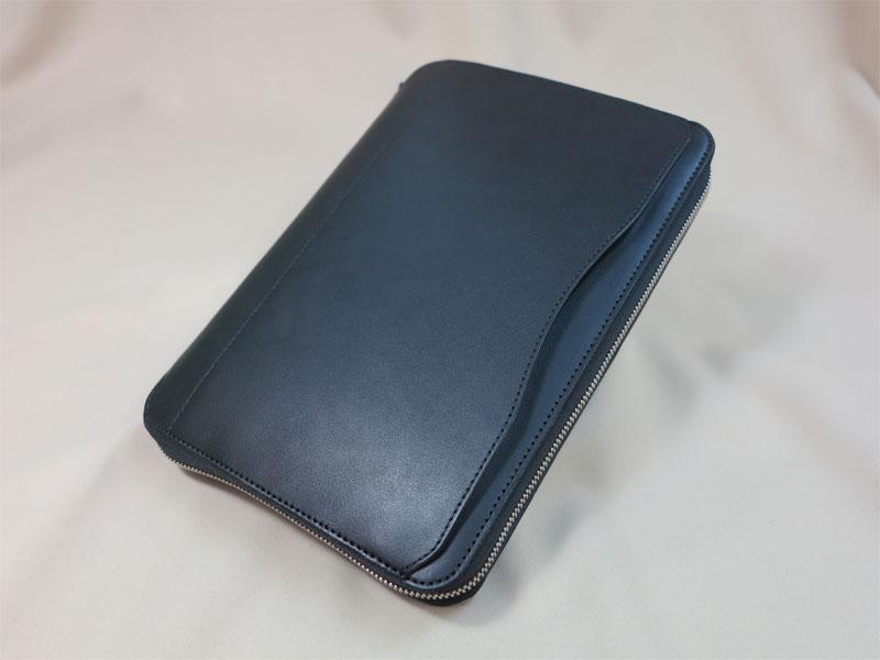 ファスナータイプの手帳カバー