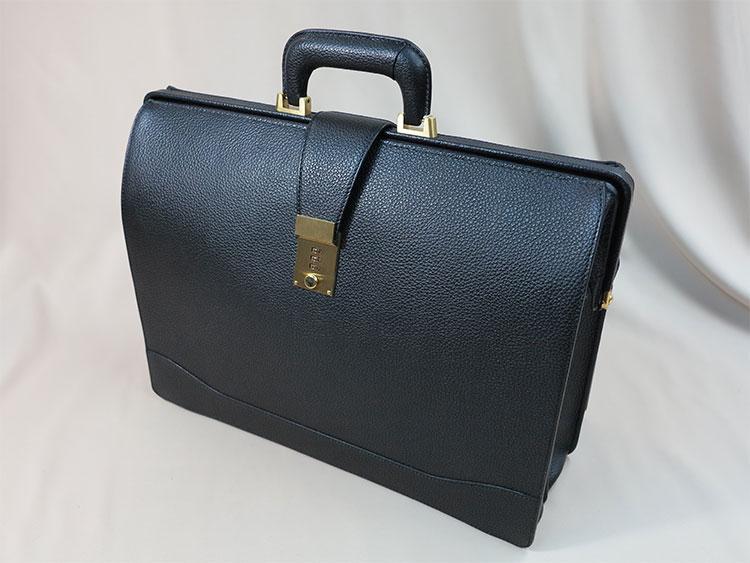 新調したダレスバッグ
