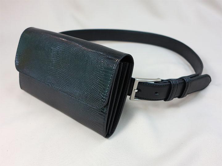 ウェストポーチ型財布