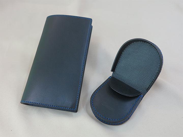 長財布と馬蹄形小銭入れ