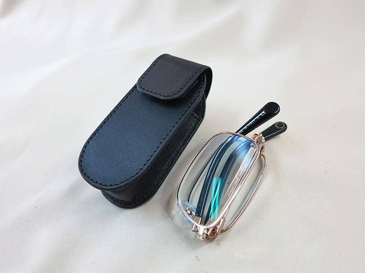 メガネ専用のケース
