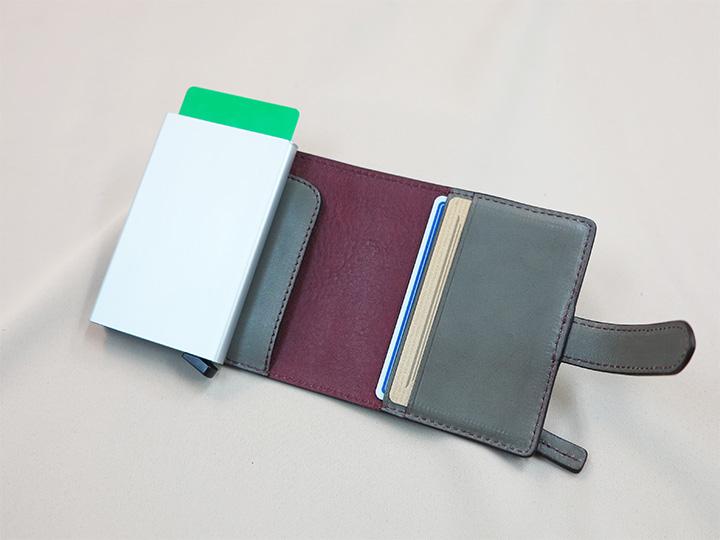 カードケース付き