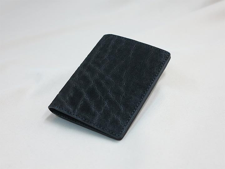黒いゾウ革で作ったカードケース